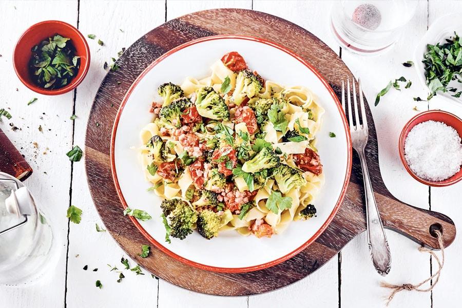 Pasta, Brokkoli und Kräuter