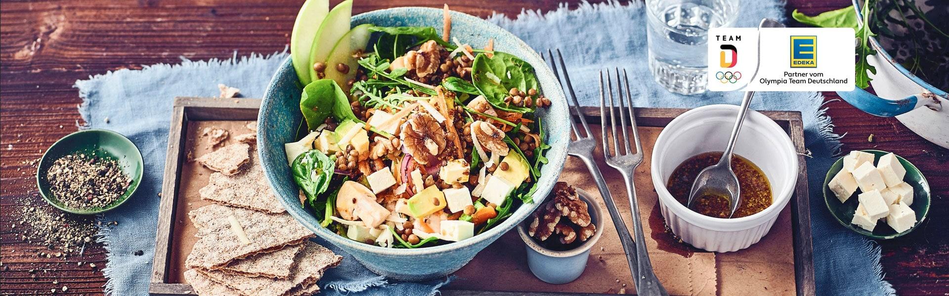 Spinat-Rucola-Feta-Salat mit Avocado