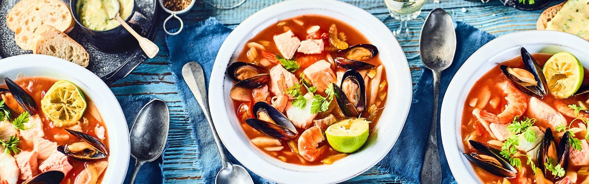 Herbstliche Fischsuppe